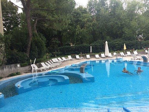 Un angolo della piscina termale