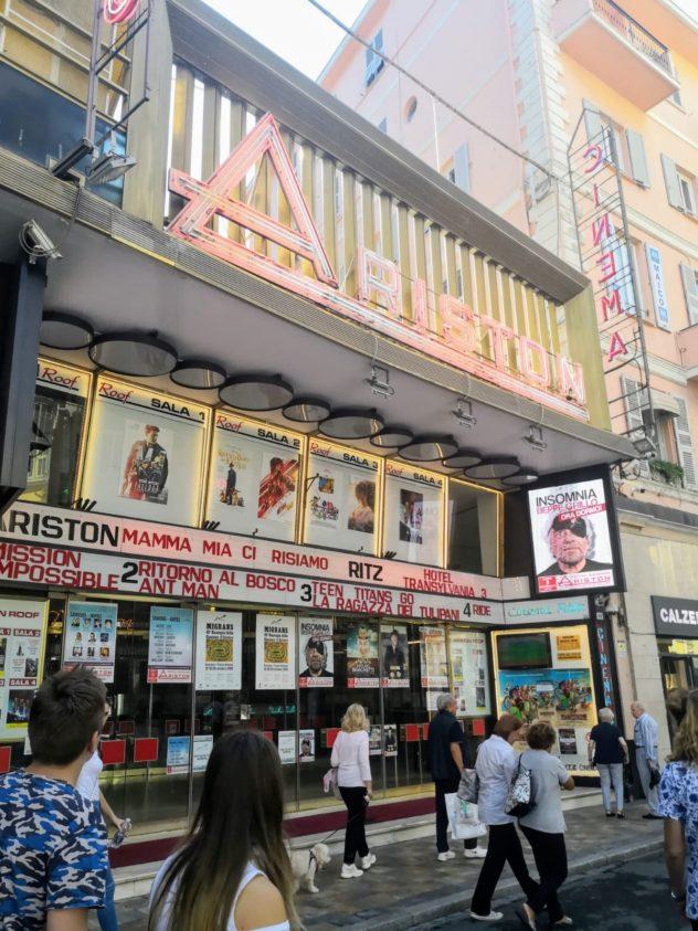 Il teatro Ariston di Sanremo, reso famoso dall'omonimo festival canoro