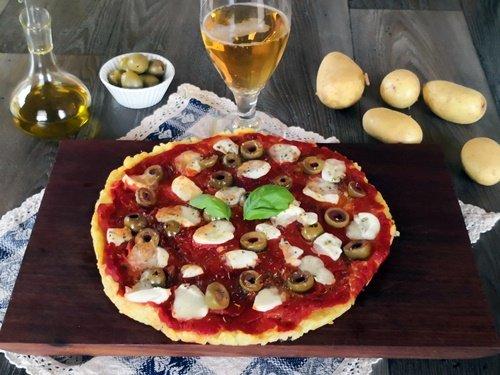 pizza-di-patate-olive-senza-glutine-uno-chef-per-gaia