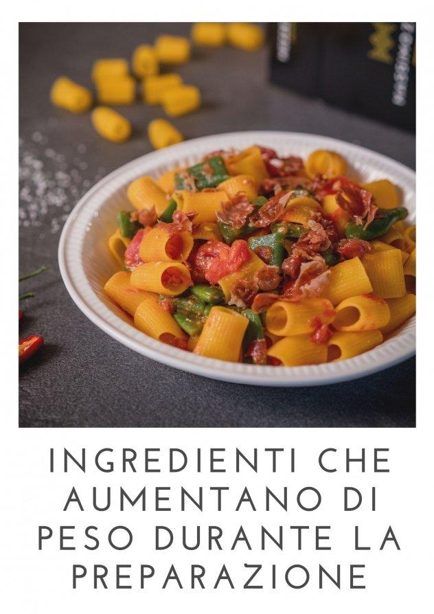 Foto di un piatto di pasta: la pasta è un ingrediente che aumenta di peso in cottura