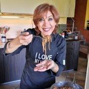 Pronta per assaggiare gli spaghetti all'amatriciana