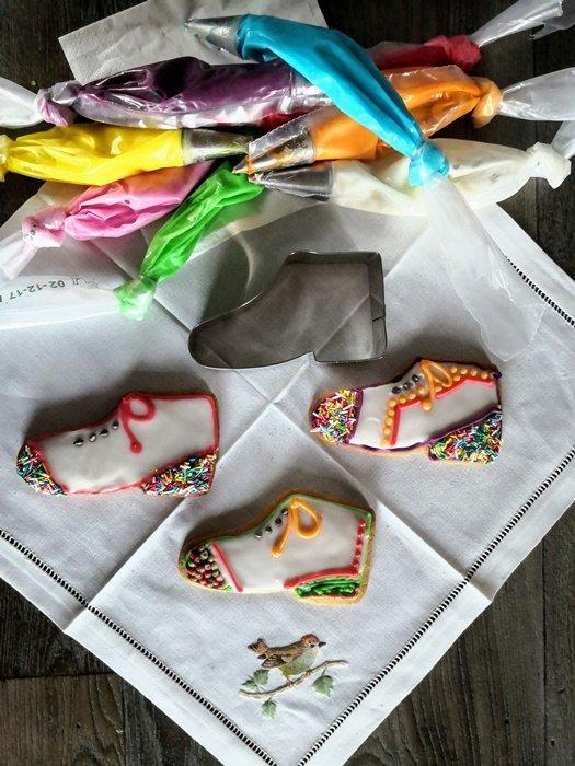 Biscotti a forma di scarpette di sant'Ilario